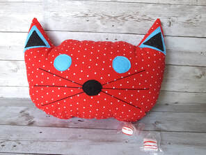 stuffed cat pillow pattern by made everyday sewing to the moon blog