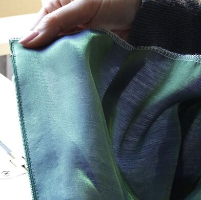 Sewing a lapped zipper