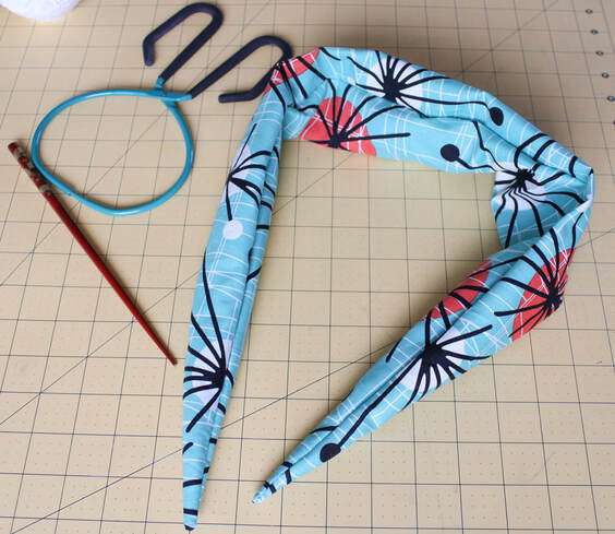 How to sew an easy headband hair scarf pattern for vintage style rockabilly hair.